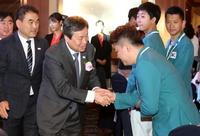 [포토]도종환 문체부장관, 삼순데플림픽대회 선수단 격려오찬