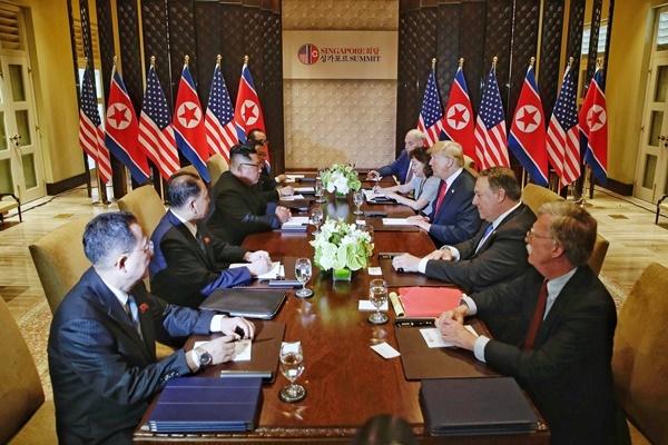[포토]북미정상회담 협상 테이블에 마주한 트럼프 대통령과 김정은 위원장